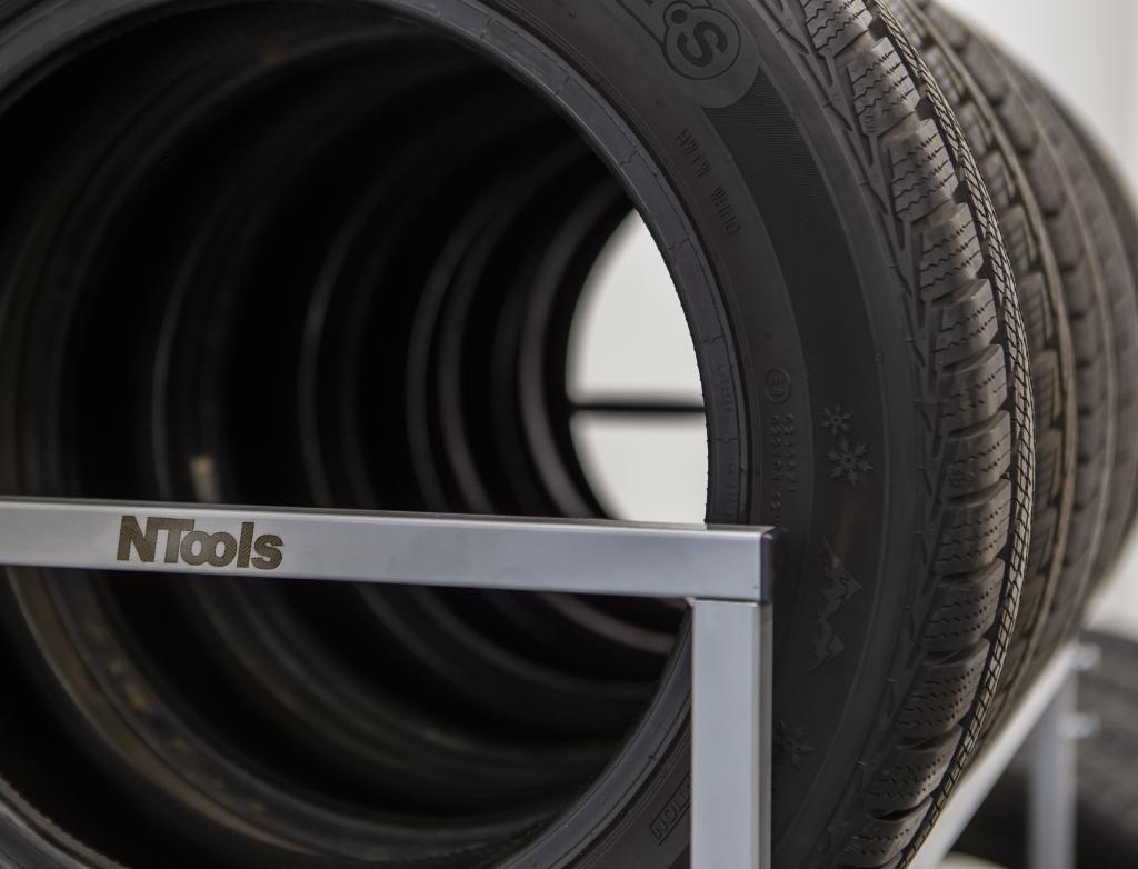 NTools Tire Stand Max Mobilny stojak do składowania opon